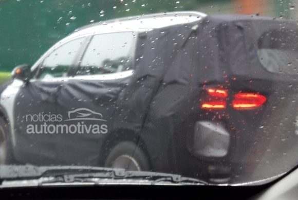 Hyundai Santa Fé 2019 já roda em testes no Brasil